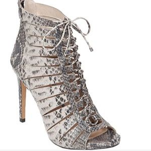 Vince Camuto Fionna Snake Print Heels Size 7